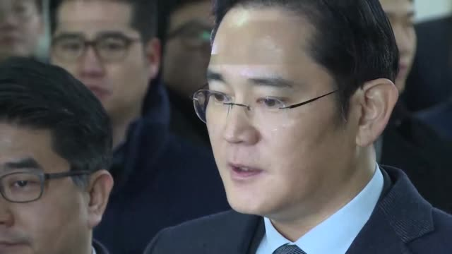 samsung heir lee jae yong arrives for questioning by south korean prosecutors as part of a probe into a corruption and influence peddling scandal... - heir stock videos and b-roll footage