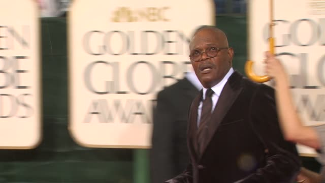 samuel l jackson at the 67th annual golden globe awards arrivals part 5 at beverly hills ca - ゴールデングローブ賞点の映像素材/bロール