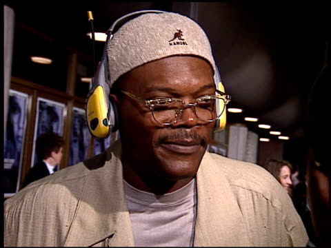 samuel l jackson at the premiere of 'the long kiss goodnight' at the mann national theatre in westwood california on october 7 1996 - mann national theater stock videos and b-roll footage