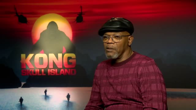 samuel l jackson discusses upcoming film kong skull island his character being a 'warrior' keeping in shape and filming in the jungle - キングコング 髑髏島の巨神点の映像素材/bロール