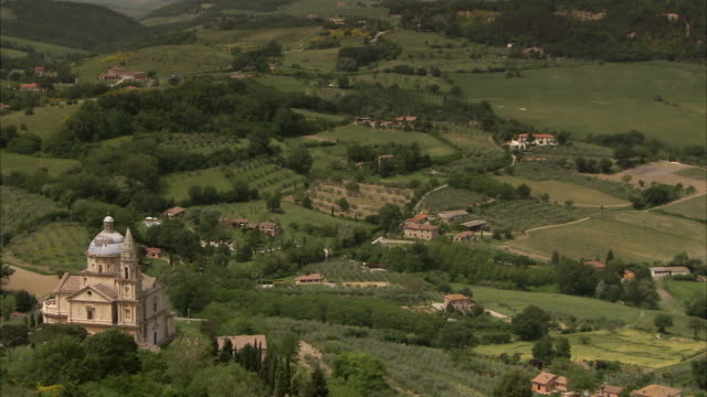 san biagio overlooks montepulciano. available in hd. - montepulciano stock videos & royalty-free footage