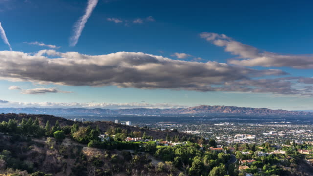 stockvideo's en b-roll-footage met san fernando valley cityscape van mulholland - time-lapse - beverly hills californië