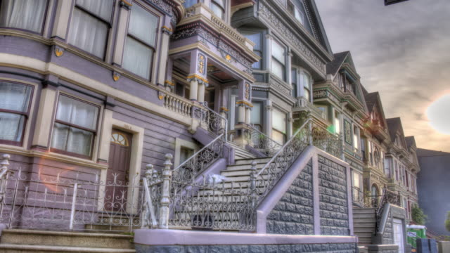vídeos de stock, filmes e b-roll de arquitetura de san francisco na haight street - high dynamic range imaging