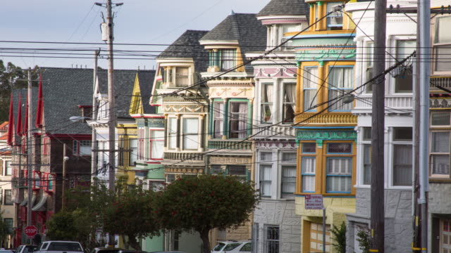 san francisco architecture on haight street - baia di san francisco video stock e b–roll