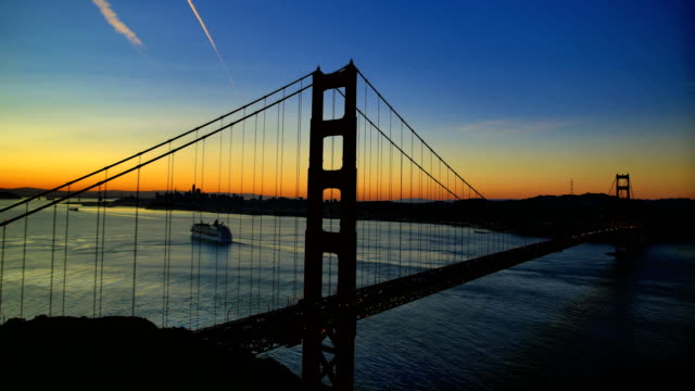 san francisco bay at sunrise - baia di san francisco video stock e b–roll