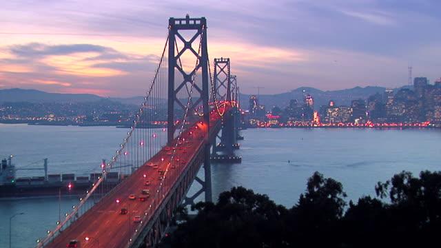 サンフランシスコ・ベイブリッジ - サンフランシスコ・オークランド・ベイブリッジ点の映像素材/bロール