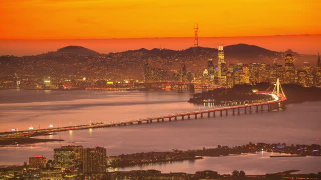 カリフォルニア州サンフランシスコ湾:オークランドからの眺め - フェリービルディング点の映像素材/bロール
