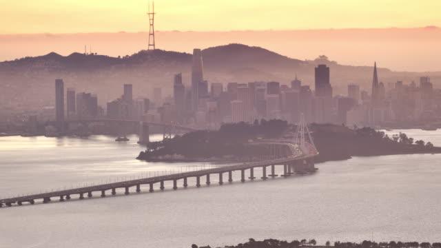 stockvideo's en b-roll-footage met san francisco bay, ca: uitzicht vanuit oakland - veerbootgebouw