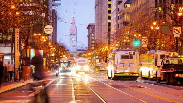 カリフォルニア州サンフランシスコ:マーケットストリート - フェリービルディング点の映像素材/bロール