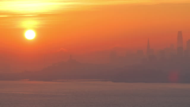 stockvideo's en b-roll-footage met san francisco, ca: zonsopgang - veerbootgebouw