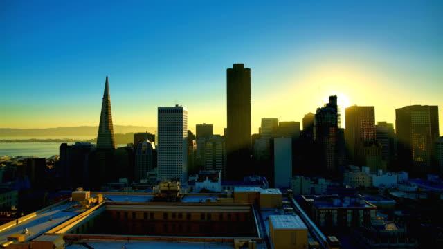 vidéos et rushes de san francisco, californie - california street san francisco