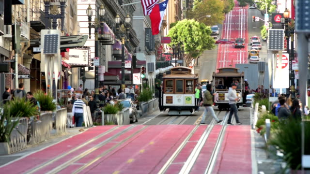 san francisco cable cars on powell street - san francisco california video stock e b–roll
