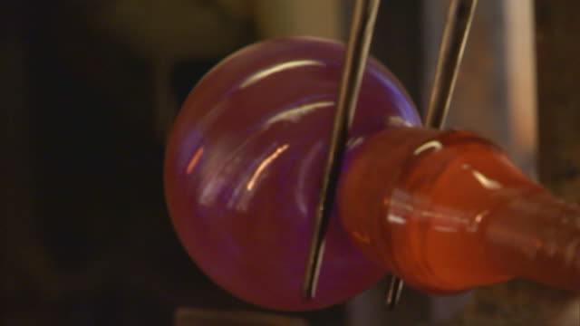 san francisco, californiaglass shaping - glasbläser stock-videos und b-roll-filmmaterial