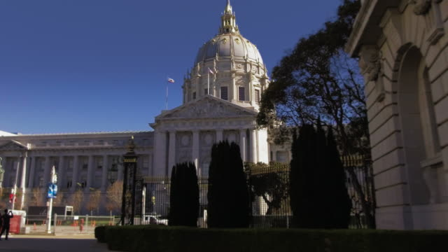 san francisco city hall - politics stock videos & royalty-free footage