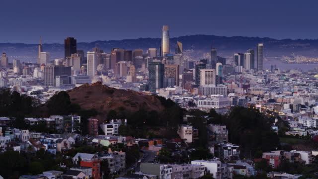 San Francisco Cityscape op Twilight - antenne