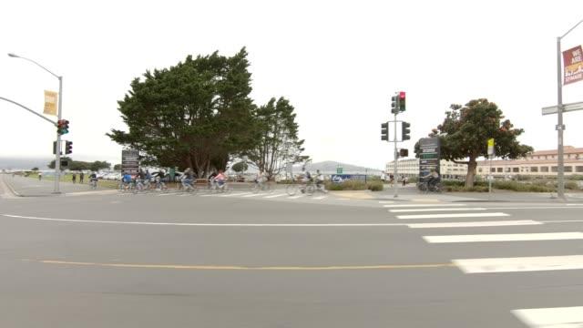 san francisco marina xix synkroniserade serien vänster visa körning process skylt - trådbuss bildbanksvideor och videomaterial från bakom kulisserna