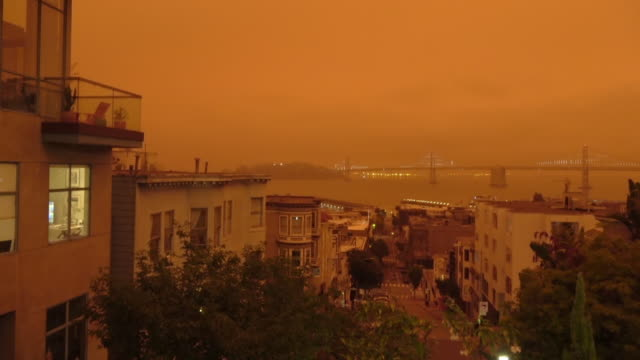 san francisco orange sky during california forest fires - orange color stock videos & royalty-free footage