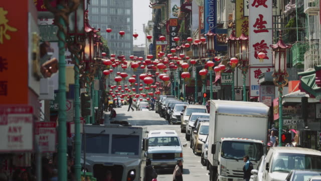 san francisco streets: chinatown - san francisco california video stock e b–roll