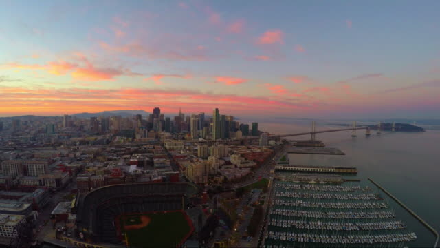 stockvideo's en b-roll-footage met san francisco sunset - san francisco california