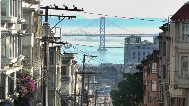 san francisco victorian homes with a view - nob hill stock videos & royalty-free footage