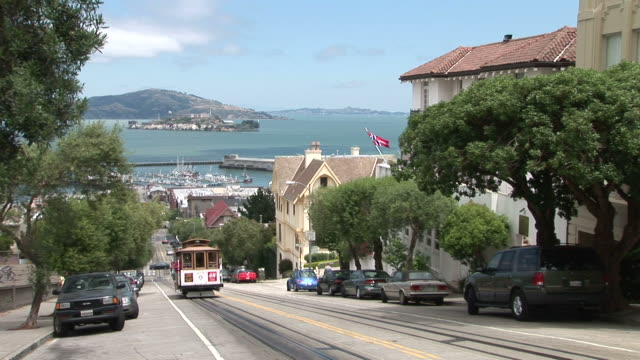 san franciscocable car in san francisco united states - trolleybus stock-videos und b-roll-filmmaterial