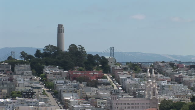 san franciscolong view of coit tower in san francisco united states - コイトタワー点の映像素材/bロール