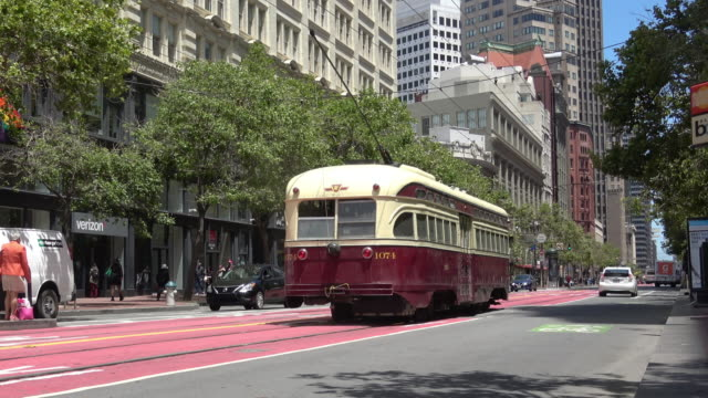 san francisco downtown market street. - tram stock-videos und b-roll-filmmaterial