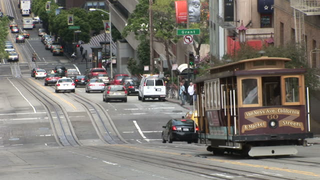 san franciscoview of vehicles moving in san francisco united states - trolleybus stock-videos und b-roll-filmmaterial