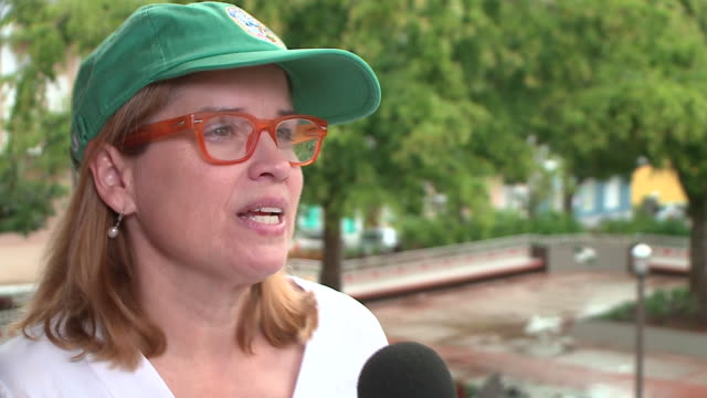 wgn san juan mayor carmen yulín cruz talks about puerto rico's recovery after hurricane carmen yulín cruz carmen yulín cruz on march 24 2018 - bürgermeister stock-videos und b-roll-filmmaterial