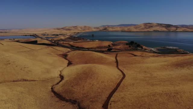 vídeos y material grabado en eventos de stock de embalse de san luis - california del norte