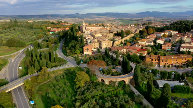 stockvideo's en b-roll-footage met san quirico d'orcia village in tuscany, italy - stadje