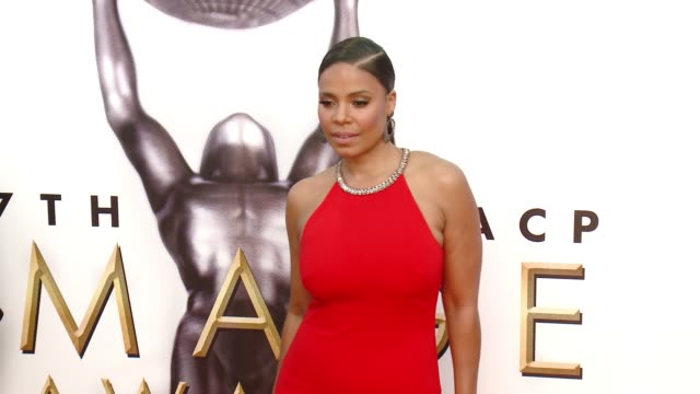 sanaa lathan at 47th annual naacp image awards at pasadena civic auditorium on february 05 2016 in pasadena california - pasadena civic auditorium stock-videos und b-roll-filmmaterial