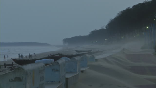 sand blowing in the wind - westbengalen stock-videos und b-roll-filmmaterial