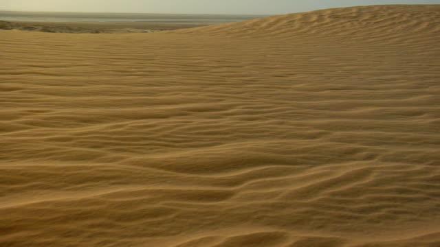 ws, cs, sand dunes in sahara desert, banc d'arguin national park, mauritania - mauritania stock videos & royalty-free footage