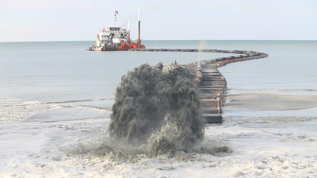 sand saugen boot - vakuum stock-videos und b-roll-filmmaterial