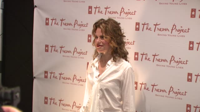 sandra bernhard at the 8th annual trevor project new york gala at new york ny - anno 2008 video stock e b–roll