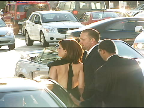 sandra bullock and jesse james at the premiere of 'the lakehouse' red carpet at arclight cinemas in hollywood, california on june 13, 2006. - サンドラ・ブロック点の映像素材/bロール