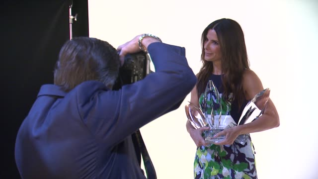 sandra bullock at 40th annual people's choice awards - portrait room at nokia theatre l.a. live on in los angeles, california. - sandra bullock stock videos & royalty-free footage