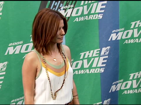 vídeos y material grabado en eventos de stock de sandra bullock at the 2006 mtv movie awards red carpet at sony pictures studios in culver city california on june 3 2006 - sandra bullock