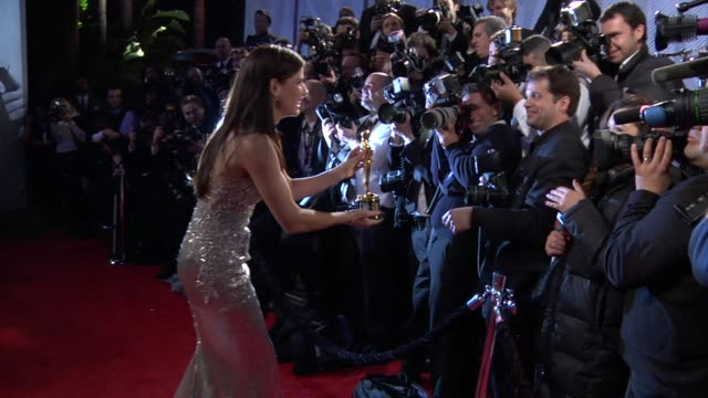 stockvideo's en b-roll-footage met sandra bullock at the 2010 vanity fair oscar party hosted by graydon carter at west hollywood ca - 2010