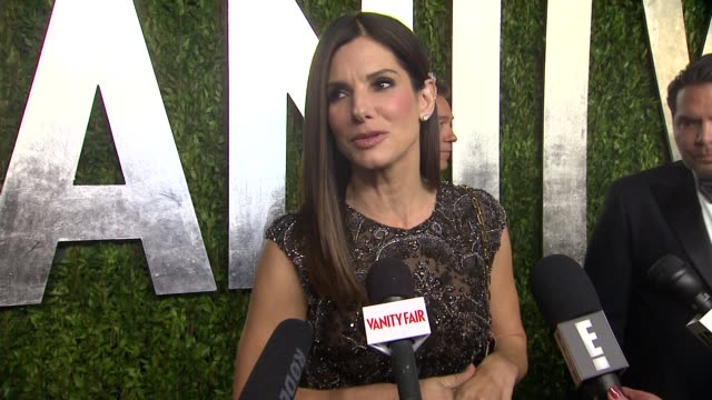 INTERVIEW Sandra Bullock at The 2013 Vanity Fair Oscar Party Hosted By Graydon Carter INTERVIEW Sandra Bullock at The 2013 Vanity Fair at Sunset...