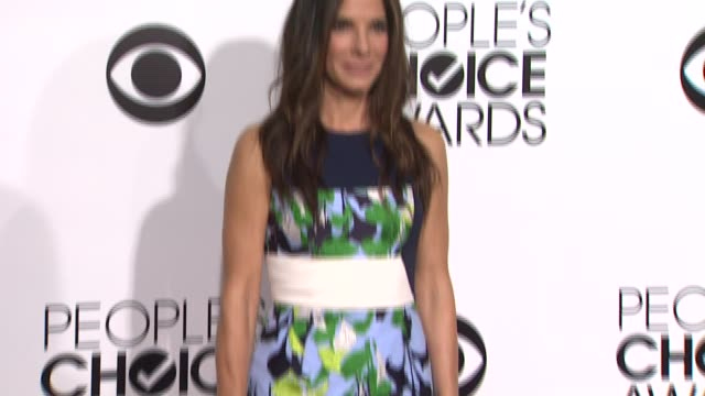 sandra bullock at the 40th annual people's choice awards arrivals at nokia theatre la live on in los angeles california - sandra bullock stock videos & royalty-free footage