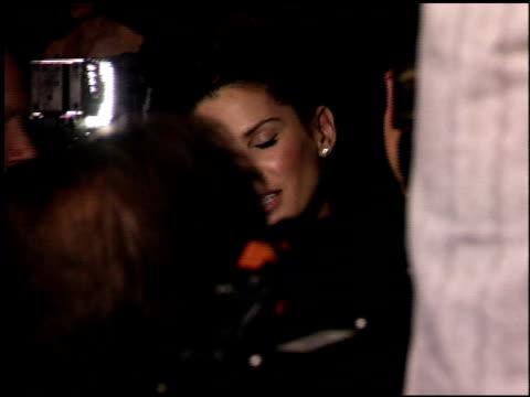 vídeos y material grabado en eventos de stock de sandra bullock at the hollywood film festival awards at the beverly hilton in beverly hills california on october 24 2005 - sandra bullock