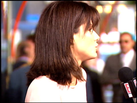 sandra bullock at the 'speed' premiere at grauman's chinese theatre in hollywood california on june 7 1994 - 1994 stock videos & royalty-free footage