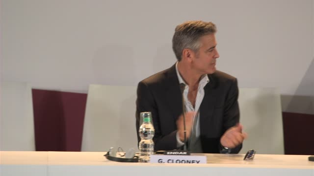 Sandra Bullock George Clooney David Heyman Alfonso Cuaron and Jonas Cuaron at Gravity Press Conference on August 28 2013 in Venice Italy
