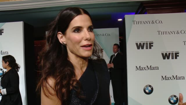 stockvideo's en b-roll-footage met interview sandra bullock on presenting to sue kroll tonight and the importance of this event at women in film 2015 crystal lucy awards presented by... - hyatt