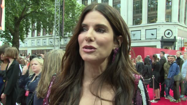sandra bullock on the filming process and doing the school run at cineworld leicester square on june 13 2018 in london england - sandra bullock stock videos & royalty-free footage