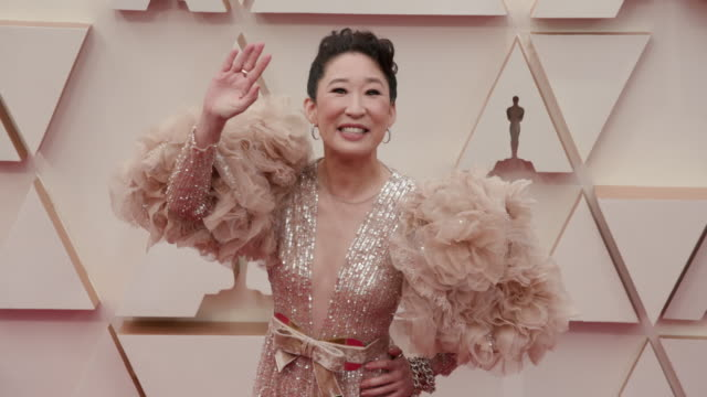 slomo sandra oh at dolby theatre on february 09 2020 in hollywood california - academy awards stock videos & royalty-free footage