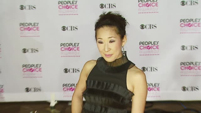 vidéos et rushes de sandra oh at the 2007 people's choice awards arrivals at the shrine auditorium in los angeles california on january 9 2007 - sandra oh