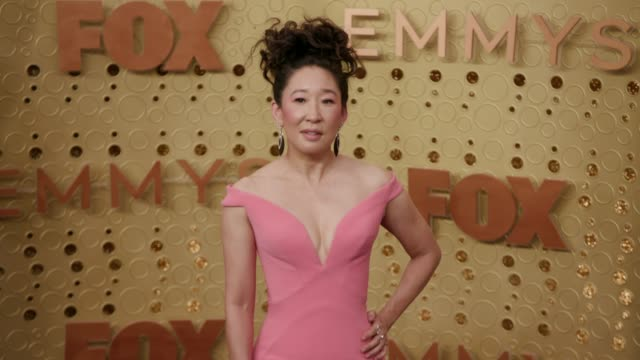 vidéos et rushes de sandra oh at the 71st emmy awards arrivals at microsoft theater on september 22 2019 in los angeles california - sandra oh